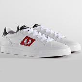/achat-baskets-basses/fred-perry-baskets-deuce-leather-b7120-white-197342.html