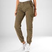https://www.laboutiqueofficielle.com/achat-pantalons-cargo/urban-classics-pantalon-cargo-femme-tb3048-vert-kaki-197810.html