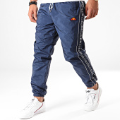 /achat-pantalons-joggings/ellesse-pantalon-jogging-a-bandes-bandino-shc05896-bleu-marine-blanc-197952.html