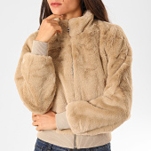 /achat-vestes/only-veste-zippee-fourrure-femme-aura-beige-198374.html