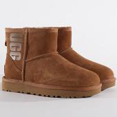 /achat-bottes-boots/ugg-bottines-femme-classic-mini-ugg-rubber-logo-1110087-black-metallic-chestnut-198561.html