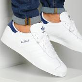 /achat-baskets-basses/adidas-baskets-gazelle-fu9487-footwear-white-dark-blue-198716.html