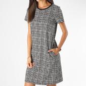 /achat-robes/tiffosi-robe-a-carreaux-femme-shaggy-blanc-noir-198779.html