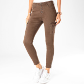 https://www.laboutiqueofficielle.com/achat-jeans/girls-only-jean-skinny-femme-121-marron-199045.html