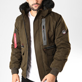 https://www.laboutiqueofficielle.com/achat-parkas/geographical-norway-parka-fourrure-dorade-vert-kaki-noir-199127.html