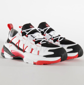 /achat-baskets-basses/puma-baskets-lqd-cell-omega-370734-puma-black-puma-white-199949.html