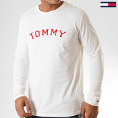 /achat-t-shirts-manches-longues/tommy-hilfiger-jeans-tee-shirt-manches-longues-cn-logo-1628-blanc-casse-rouge-200524.html