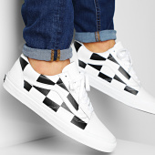 /achat-baskets-basses/vans-baskets-old-skool-a4bv5tpl-leather-check-white-blanc-200792.html