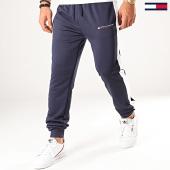 /achat-pantalons-joggings/tommy-sport-pantalon-jogging-a-bandes-graphics-0318-bleu-marine-201352.html