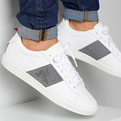 /achat-baskets-basses/le-coq-sportif-baskets-courtstar-craft-strap-denim-1921629-optical-white-grey-denim-201423.html