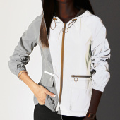 /achat-coupe-vent/girls-only-coupe-vent-femme-a-capuche-v2424-gris-reflechissant-201470.html