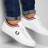 /achat-baskets-basses/fred-perry-baskets-b7106-white-201941.html