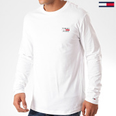 /achat-t-shirts-manches-longues/tommy-jeans-tee-shirt-manches-longues-chest-logo-7617-blanc-201901.html