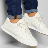 /achat-baskets-basses/adidas-baskets-ar-trainer-ee5403-core-white-footwear-white-202099.html