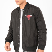 /achat-bombers/new-era-veste-bomber-nba-team-logo-chicago-bulls-noir-rouge-202257.html