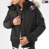 /achat-blousons/tommy-jeans-blouson-capuche-fourrure-tech-6906-noir-202383.html