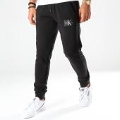 /achat-pantalons-joggings/calvin-klein-pantalon-jogging-monogram-patch-hwk-4066-noir-202394.html