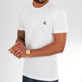 /achat-t-shirts/calvin-klein-tee-shirt-essential-4544-blanc-202413.html