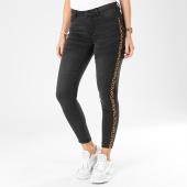 https://www.laboutiqueofficielle.com/achat-jeans/only-jean-skinny-femme-a-bandes-leopard-royal-gris-anthracite-203370.html
