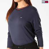 /achat-t-shirts-manches-longues/tommy-jeans-tee-shirt-femme-manches-longues-crepe-solid-7562-bleu-marine-203216.html