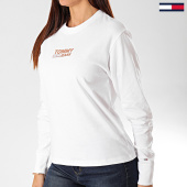 /achat-t-shirts-manches-longues/tommy-jeans-tee-shirt-femme-manches-longues-chest-metallic-7538-blanc-203364.html