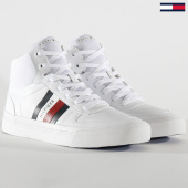 /achat-baskets-montantes/tommy-hilfiger-baskets-core-corporate-high-modern-vulcan-2650-white-203451.html