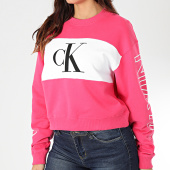 /achat-sweats-col-rond-crewneck/calvin-klein-jeans-sweat-crewneck-crop-femme-blocking-statement-logo-2980-rose-blanc-203477.html