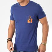 /achat-t-shirts/calvin-klein-jeans-tee-shirt-poche-mirrored-monogram-4105-bleu-marine-203643.html