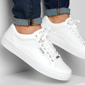 /achat-baskets-basses/guess-baskets-fm5larlea12-white-203606.html