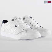 /achat-baskets-basses/tommy-hilfiger-baskets-femme-tommy-jacquard-leather-sneaker-4602-white-203535.html