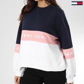 https://www.laboutiqueofficielle.com/achat-sweats-col-rond-crewneck/tommy-jeans-sweat-crewneck-femme-colorblock-7548-bleu-marine-rose-blanc-203543.html