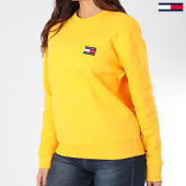 /achat-sweats-col-rond-crewneck/tommy-jeans-sweat-crewneck-femme-tommy-badge-7786-jaune-203552.html
