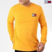 /achat-t-shirts-manches-longues/tommy-jeans-tee-shirt-manches-longues-tommy-badge-6958-jaune-moutarde-203843.html