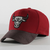 /achat-casquettes-de-baseball/mitchell-and-ness-casquette-international-469-chicago-bulls-bordeaux-gris-reflective-203893.html