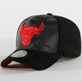 /achat-casquettes-de-baseball/mitchell-and-ness-casquette-international-473-chicago-bulls-camouflage-noir-203896.html