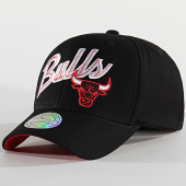 /achat-casquettes-de-baseball/mitchell-and-ness-casquette-international-474-chicago-bulls-noir-203897.html