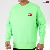 /achat-sweats-col-rond-crewneck/tommy-jeans-sweat-crewneck-tommy-badge-neon-8120-vert-fluo-203979.html