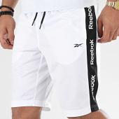 /achat-shorts-jogging/reebok-short-jogging-a-bandes-linear-logo-fk6109-blanc-204782.html