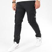 /achat-pantalons-cargo/calvin-klein-jeans-pantalon-cargo-skinny-4147-noir-205040.html