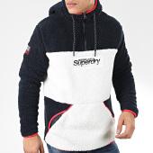 /achat-sweats-capuche/superdry-sweat-capuche-col-zippe-sherpa-casuals-overhead-m2000119a-bleu-marine-blanc-rouge-205376.html