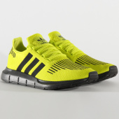 /achat-baskets-basses/adidas-baskets-swift-run-ee6797-semi-solar-yellow-core-black-carbon-205629.html