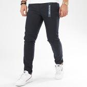 /achat-pantalons-carreaux/tom-tailor-pantalon-carreaux-1016990-xx-12-bleu-marine-206918.html