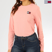 /achat-t-shirts-manches-longues/tommy-jeans-tee-shirt-manches-longues-femme-tommy-badge-7433-rose-clair-206836.html