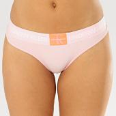 /achat-strings-culottes/calvin-klein-string-femme-thong-4920e-rose-clair-206983.html