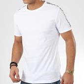 /achat-t-shirts/antony-morato-tee-shirt-a-bandes-sport-heritage-mmks01739-blanc-207182.html