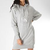 /achat-robes/calvin-klein-robe-sweat-capuche-femme-ck-round-logo-knit-3596-gris-chine-208090.html