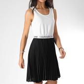 /achat-robes/calvin-klein-robe-femme-debardeur-logo-elastic-pleated-3645-noir-blanc-208097.html