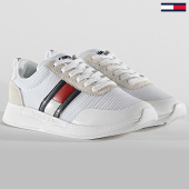 /achat-baskets-basses/tommy-hilfiger-jeans-baskets-femme-technical-flexi-0875-white-208165.html