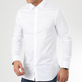 /achat-chemises-manches-longues/guess-chemise-manches-longues-m02h13-blanc-208384.html