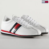 /achat-baskets-basses/tommy-hilfiger-baskets-femme-retro-flag-sneaker-0874-white-red-blue-208577.html